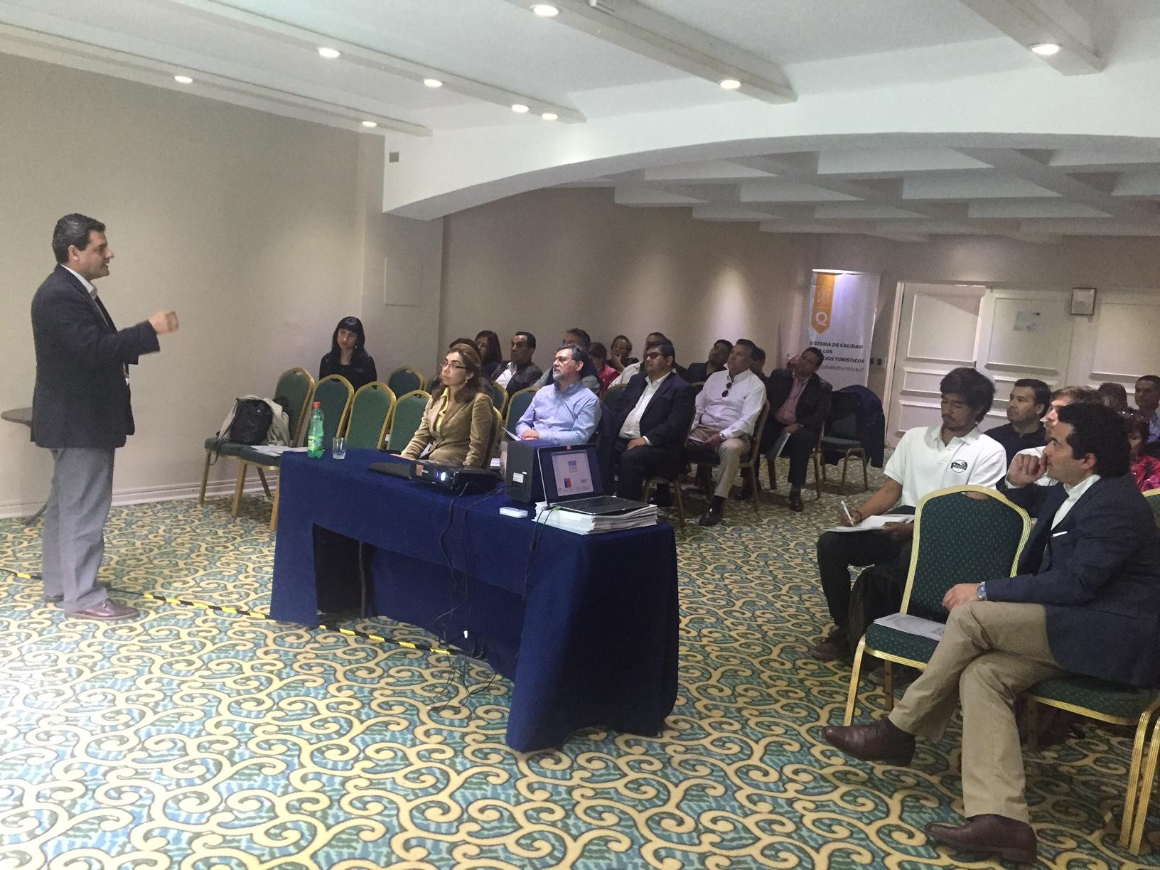 Empresas y servicios turísticos de Antofagasta participan en la primera charla informativa del programa SIGO